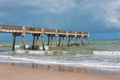 Pier Near Jaycee Park In Vero Beach Florida photos stock