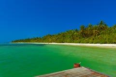 Pier op het eiland van de Maldiven stock afbeelding