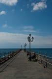 Pier op het strand in Amalfi Amalfi Kust Royalty-vrije Stock Fotografie