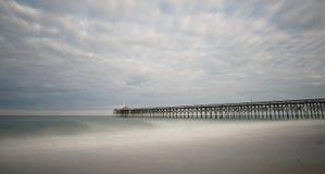 Pier in Pawleys-Insel lizenzfreie stockbilder