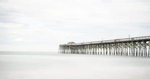 Pier in Pawleys-Insel lizenzfreie stockfotos