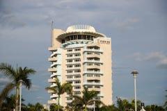 Pier Sixty-Six Hotel y puerto deportivo Hyatt Regency en el sitio es renombrado para sus opiniones espectaculares imagenes de archivo