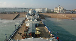 Pier und Strand airiel Ansicht lizenzfreies stockfoto