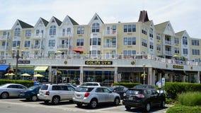 Pier Village på den långa filialen i nytt - ärmlös tröja Royaltyfria Foton