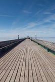 Pier Walkway de madera, Clevedon. Imagen de archivo libre de regalías