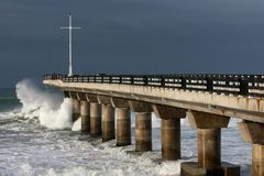 Pier and Waves Royalty Free Stock Photo