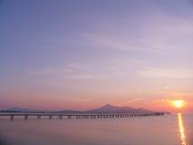 Pier zum Sonnenaufgang Lizenzfreies Stockbild