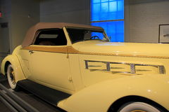 1936 Pierce Arrow Convertible Coupe, Saratoga auto museum, New York, 2015 Royaltyfri Bild