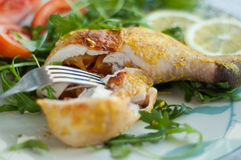 Pierna de pollo con los albaricoques Imagenes de archivo