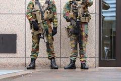 Piernas belgas de las instituciones de European del guardia de los soldados Foto de archivo