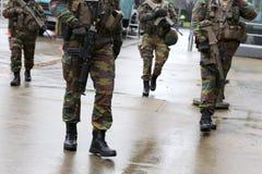 Piernas belgas de las instituciones de European del guardia de los soldados Foto de archivo libre de regalías