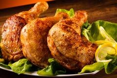 Piernas de pollo asadas fotografía de archivo libre de regalías