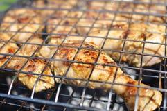 Piernas de pollo asadas a la parilla Fotos de archivo libres de regalías