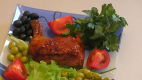 Piernas de pollo frito metrajes