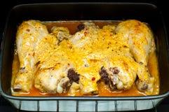 Piernas de pollo recientemente cocidas al horno Foto de archivo libre de regalías