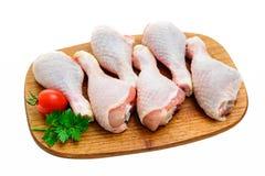 Piernas de pollo sin procesar Fotos de archivo libres de regalías