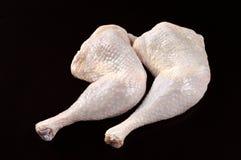 Piernas de pollo sin procesar Foto de archivo libre de regalías