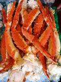 Piernas de rey cangrejo fotos de archivo