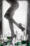 Piernas de una muchacha desnuda hermosa Imagenes de archivo