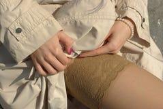 Piernas femeninas Fotos de archivo libres de regalías