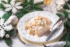 Pierogi tradicional polonês saboroso do Natal imagem de stock