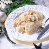 Pierogi tradicional polonês saboroso do Natal fotografia de stock royalty free