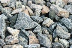 Pierre écrasée par granit de roche en planche de structure granulaire images libres de droits
