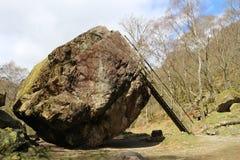 Pierre de Bowder, Borrowdale, Cumbria, Angleterre Images libres de droits