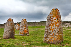 Pierre de megalith de la Sardaigne de Menhir Photo stock