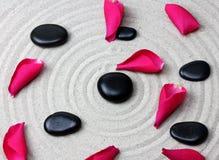 Pierre japonaise de méditation de jardin de zen image libre de droits