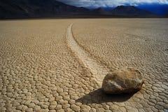 Pierre mobile dans le désert photographie stock