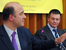Pierre Moscovici et Mihai Razvan Ungureanu Photo stock