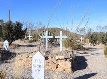 Pierre tombale, Arizona : Vieux cimetière de colline d'ouest/botte - tombe avec deux croix Photos libres de droits
