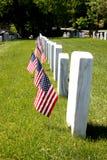 Pierre tombale avec des drapeaux des USA Photographie stock