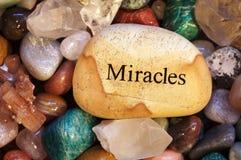 Pierres, cristaux, roches, avec le message Photos libres de droits