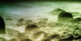 Pierres dans l'eau Images stock