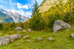Pierres de Boulder dans Koenigssee, Konigsee, Berchtesgaden P national image stock