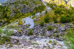 Pierres de Boulder dans Koenigssee, Konigsee, parc national de Berchtesgaden, Bavi?re, Allemagne photos libres de droits