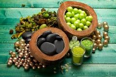Pierres de massage et sel de bain aromatherapy Photo stock
