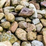 Pierres et rochers de Scandinavie sur un grand tas photos stock