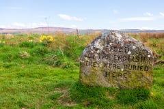 Pierres graves au champ de bataille de Culloden image libre de droits
