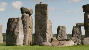 Pierres monolithiques Angleterre de henge en pierre banque de vidéos
