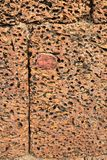 Blocs approximatifs de pierre aux ruines de Banteay Srei, Cambodge Image stock