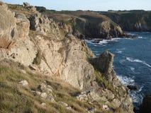 Pierres sous un coucher du soleil en Bretagne Photos libres de droits