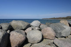 Pierres sur le bord de la mer Image libre de droits