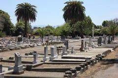 Pierres tombales dans un cimetière Photo stock