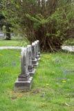 Pierres tombales dans un cimetière Photos libres de droits