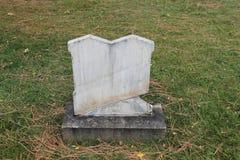 Pierres tombales de marbre Siamoises dans le vieux cimetière Images libres de droits