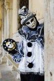 Pierrot a masqué la fille Image libre de droits