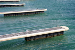 Piers für Boote in Schwarzem Meer, Bulgarien stockbilder